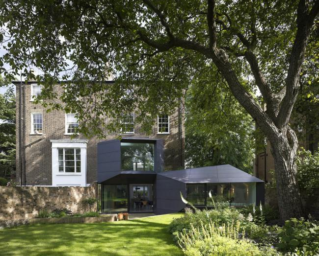 Смешение стилей в проекте Lens House от Alison Brooks Architects